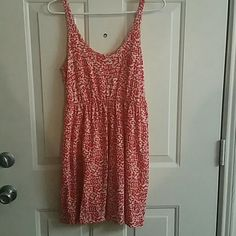 Spaghetti strap mini dress Red and white speckled. Loose fit. Great for summer. Has a small pocket on the front. H&M Dresses Mini