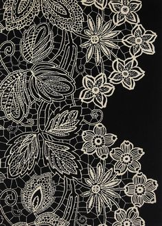 Google Image Result for http://www.hillcorugs.com/images/products/original/Loose%2520Lace%2520Black%2520White%2520213%2520x%2520152%252045913.JPG