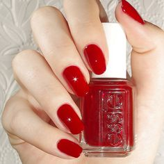 Essie Bordeaux ~ stunning, classic red nail polish for that perfect bombshell manicure 💯