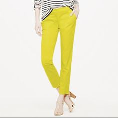 "Cafe Capri - Chartreuse Size: 2 - Fit: Fitted, sits just above hip, cropped length - for reference I am 5'8"" - Material: Cotton with a bit of stretch - Color: Chartreuse - Condition: Pre-loved, great shape - All bundles 15% off :) J. Crew Pants"