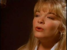 Leann Rimes - Blue Also listen to her version of Amazing Grace. Old Country Songs, Country Music Videos, Country Music Stars, Country Music Singers, Country Artists, Old Music, Music Love, Trailer Peliculas, Greatest Songs