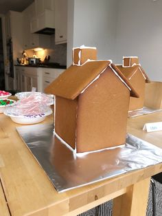 The Ultimate Gingerbread Houses! Free Template and Recipe — Tessie Fay The Ultimate Gingerbread Houses! Free Template and Recipe — Tessie Fay Gingerbread House Icing, Homemade Gingerbread House, Gingerbread House Patterns, Halloween Gingerbread House, Cool Gingerbread Houses, Gingerbread House Parties, Christmas Gingerbread House, Christmas Baking, Christmas Treats