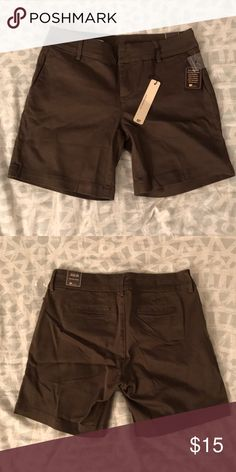 Brown shorts Brown shorts. 98% cotton 2% spandex. Kut from the Kloth Shorts