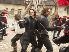 Matthew Macfadyen Three Musketeers | Luke Evans and Matthew Macfadyen in The Three Musketeers