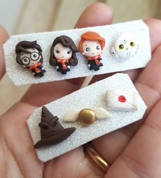 clay studs earrings wizard boy owl letter snitch fimo kawaii gift for fan Cute Polymer Clay, Cute Clay, Polymer Clay Miniatures, Fimo Clay, Polymer Clay Charms, Polymer Clay Projects, Polymer Clay Creations, Clay Crafts, Colar Harry Potter