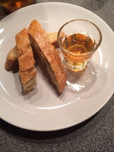 Prato cookies with... Vin Santo. Discovery the traditional recipe.