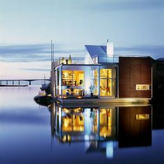 The floating home.