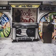 #lostandfoundbar at #UnitedMelbourne #streetart #djbooth #basementbar #melbournestreetart #boombox #arthostel #backpacking