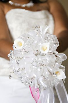 An alternative to the floral bridal bouquet