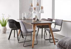 Appartement 2 tafel karwei stoelen en rolgordijnen for Lampen xenos