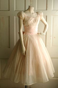 1950s Pink Wedding Dress / Vintage Pastel Tea por DalenaVintage