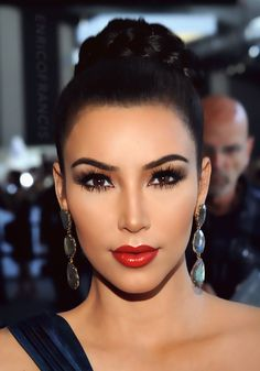 Beautiful make-up. Kim Kardashian