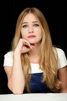 Britt Robertson - The Longest Ride Press Conference in New York City Divas, The Longest Ride, Muse, Beautiful Actresses, Pretty Face, Pretty People, Hair Goals, My Hair, Cool Hairstyles