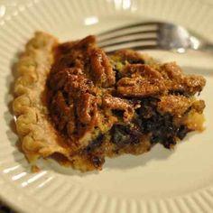 Cracker Barrel Chocolate Pecan Pie Copycat. This pecan pie recipe is soooo good! pie recipes, chocol pecan, pecan pies, copycat recip