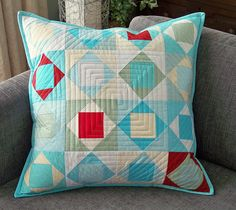 Economy Block by Esch House Quilts: Sew Solid Sunday Patchwork Cushion, Quilted Pillow, Patchwork Quilting, Sewing Pillows, Diy Pillows, Pillow Ideas, Small Quilts, Mini Quilts, Quilting Projects