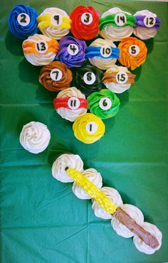 Pool table cupcakes