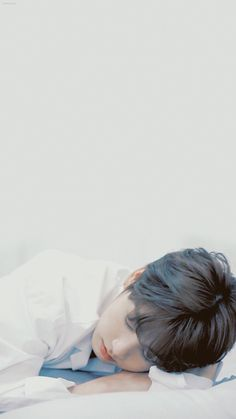 Jk . Дайте хоть немного поспать. Потому что сильно устал. V E Jhope, Jungkook Oppa, Bts Photo, Foto Bts, Jikook, Busan, Seokjin, Namjoon, Jung Hoseok