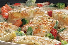 Cheesy Chicken Bake /w Philly cream cheese New Recipes, Dinner Recipes, Favorite Recipes, Dinner Ideas, Meal Ideas, Yummy Recipes, Dinner Dishes, Main Dishes, Quick Chicken Recipes