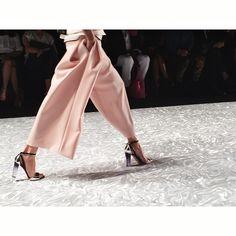 Monique Lhuillier s/s2015 New York Fashion Week.