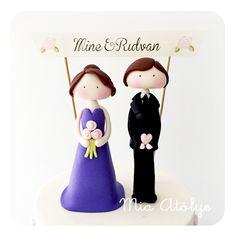 Engagement cake - Fondant couple figure