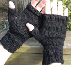 Fingerless Gloves Men's Fingerless Gloves by NiseesNeedles on Etsy