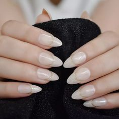 Classy Acrylic Nails, Black Acrylic Nails, Gold Nails, White Nails, Bling Nails, Fake Nails With Glue, Glue On Nails, Acrylic Nails Almond Natural, Natural Nails