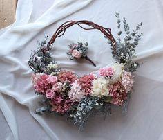 Wedding Wreaths, Wedding Bouquets, Floral Wedding, Wedding Flowers, Floral Hoops, Dried Flowers, Flower Designs, Flower Arrangements, Garland
