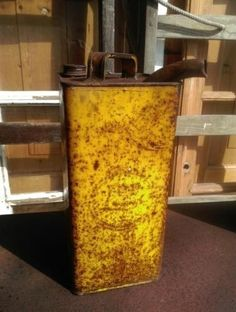 Oude Brocante Industrieel Petroleum Blik Geel Esso