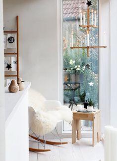 Elegant Rivoli Wandleuchte Fantastischer Lichteffekt ber den elegant geschwungenen Glasschirm in den Farbt nen alabaster und wei