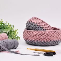 Hæklet Ribbon Kurv fra Hobbii - Lilly is Love Crochet Bowl, Knit Crochet, Shetland Wool Week, Easy Yarn Crafts, Ribbon Yarn, T Shirt Yarn, Crochet Projects, Crochet Patterns, Creations