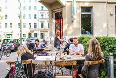 Berlin überrascht ja gerne immer wieder mit ungewöhnlichen Orten, die sich neu erfinden. Alles verdient sich hier eine Chance für ein zweites Leben, sei es e
