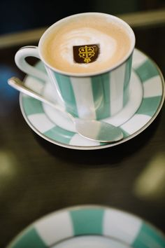 Chic London coffee time! Photo by Claire Morgan Photography