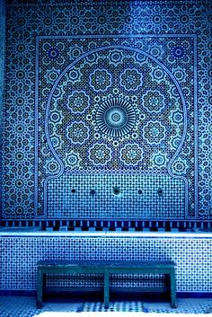 What looks good on tiles, also looks good printed on paper. Whether they are Moroccan mosaics or Portuguese azulejos, art inspired by tile patterns makes for captivating wall decoration. Blue Is The Colour, Love Blue, Blue And White, Blue Rooms, Color Azul, Pantone Color, Islamic Art, Islamic Tiles, My Favorite Color