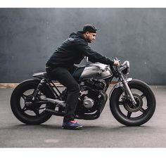 Cb 750 Cafe Racer, Cafe Racer Honda, Cafe Racer Style, Cafe Bike, Custom Cafe Racer, Cafe Racer Bikes, Cafe Racer Motorcycle, Moto Bike, Honda Trike