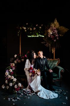 26 Edgy Neon Signs For Your Wedding Edgy Wedding, Jewel Tone Wedding, Gothic Wedding, Wedding Colors, Dream Wedding, Industrial Wedding, Wedding Bells, Just In Case, Wedding Inspiration