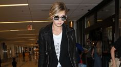 Why Gigi Hadid Is Glad to Work in the Age of Twitter and Instagram