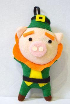 St Patrick Piggy Felt Pig Ornament / Keychain by Plushed on Etsy