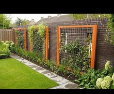 Diy Trellis, Garden Trellis, Garden Fencing, Trellis Ideas, Garden Art, Backyard Fences, Backyard Landscaping, Backyard Ideas, Vertical Garden Design