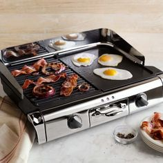 All-Clad Electric Grill/Griddle with Removable Plates from Williams Sonoma. Saved to Food/Baking/Drink. Cool Kitchen Gadgets, Kitchen Items, Cool Kitchens, Kitchen Tools, Micro Kitchen, Kitchen Products, Best Outdoor Grills, Best Gas Grills, Master Chef