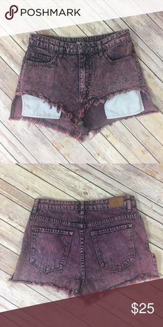 """✨BDG Lou High Rise Shorts✨ Size 27. 100% cotton. Measurements: waist 13.5"""", front length 8"""" back length 12"""", inseam 1.5, front rise 11"""" back rise 14"""".     💕Need any other information? Measurements? Materials? Feel free to ask! 💕Unfortunately, I am unable to model items!  💕Don't be shy, I always welcome reasonable offers! 💕Fast shipping! Same or next day! 💕Sorry, no trades!  Happy Poshing!☺️ BDG Shorts"""