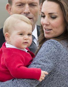 Pour son premier anniversaire, le Prince George a été gâté !  http://www.elle.fr/People/La-vie-des-people/News/Decouvrez-le-cadeau-offert-par-Barack-Obama-au-prince-George-2738291