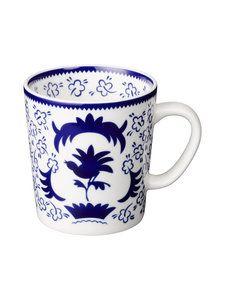 Monivärinen Arabia Suomi 100 -juhlavuoden mukisetti   Koti   Stockmann.com Finland, Cups, Porcelain, Tableware, Mugs, Porcelain Ceramics, Dinnerware, Tablewares, Dishes