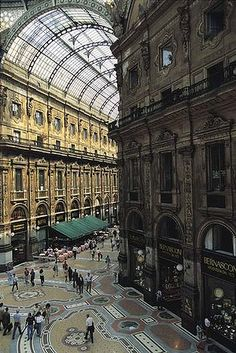 20 things to do in Milan - Glamorous shopping mall ... Galleria Vittorio Emmanuelle II.