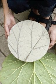 DIY Leafy Garden Stepping Stones