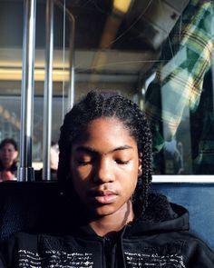 Ov-bedrijven kijken bij het aanleggen van hun tram- en busroutes waar de meeste reizigers zijn. Logisch. Maar ze laten zich ook leiden door hoeveel die mensen verdienen. Dat heeft grote gevolgen voor hen die het wat minder hebben.