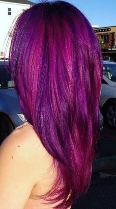 I'm so tempted to do this to my hair! Luckily I'm in a career field where it's perfectly acceptable to do it :D