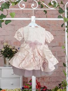 Χειμερινό Φόρεμα Βάπτισης 621 Girls Dresses, Flower Girl Dresses, Wedding Dresses, Fashion, Dresses Of Girls, Bride Dresses, Moda, Bridal Gowns, Fashion Styles