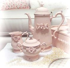 So Shabby Pink Stunning Tea Set Chic! - - This wonderful tea set was reinvented by us and is perfect for that shabby pink and chic style. Very shabby chic and perfect for cottage home decor. Cocina Shabby Chic, Muebles Shabby Chic, Shabby Chic Mode, Shabby Chic Stil, Estilo Shabby Chic, Shabby Chic Living Room, Shabby Chic Kitchen, Shabby Chic Furniture, Shabby Vintage