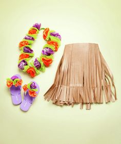 How to make a hula girl costume-- a big roll of craft paper works for this !
