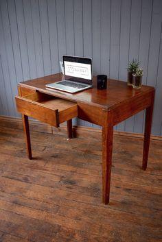 MOD Desk